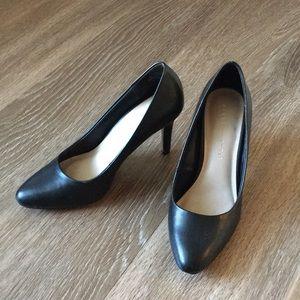 DSW Kelly & Katie black pumps Size 6. Worn twice